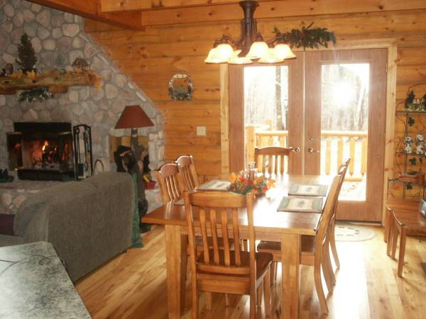 Log dining area and sundeck w/ pine scent.jpg